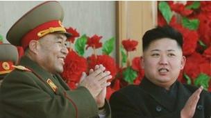 Считается, что Ли Ён Хо сыграл решающую роль в передаче власти Ким Чен Ыну