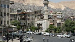 На одной из центральных площадей Дамаска Себаа Бахрат раздавались пулеметные очереди