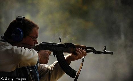 Популярные: АК-47 стал одним из самых популярных среди американских стрелков благодаря своей низкой ценой и тяжелой огневой мощи
