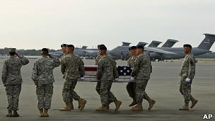 """С начала 2012 года в результате нападений """"зеленых на синих"""" погибли уже 52 военнослужащих, большинство из которых были американцами"""