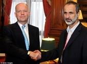 Министр иностранных дел Уильям Хэйг встретился с президентом сирийского оппозиционного движения шейхом Ахмедом Моазом Аль-Хатибом сегодня