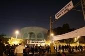 Протестующие скандируют лозунги против Морси у президентского дворца в Каире, в субботу