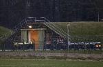 Боеприпасов перемещается в бункер на базе ВВС Marham, Англия, 20 марта 2011 года.