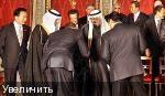 """Президент Обама преклоняется перед саудовским королём (своим """"истинным"""" хозяином?)"""