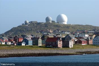 Радиолокационная станция Globus II расположена в Варде, Норвегия, всего в 50 километрах от российской границы.