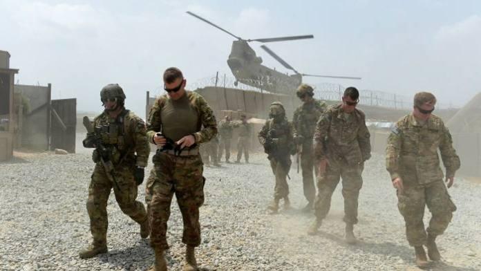 Американские войска на одной из множества американских военных баз в Афганистане.