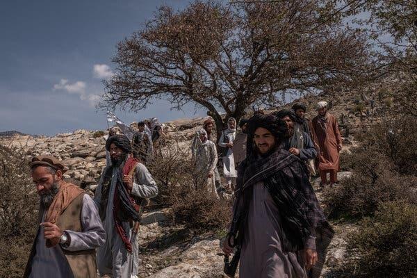 """Члены движения """"Талибан"""" в провинции Лагман."""
